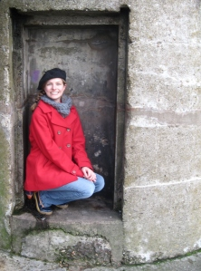 as we were climbing from the higher part of the old pier, we discovered this little niche that was a perfect fit for me!