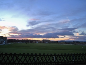 As I was walking back to hall after an afternoon in town, I was literally stopped in my tracks by this gorgeous sight before me.  I have never seen the Old Course more resplendent! The picture does not do it justice.