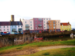 This row of buildings is just next to the old pier and it reminds me of Charleston, my home, every time I pass it. East Sands is always so alive with color and sound!