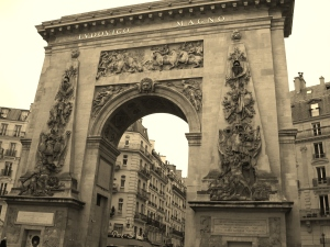 Le Porte Saint-Denis in the middle of Paris; we saw so many gorgeous old detailed arches.