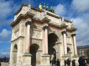 Le Arc de Triomphe du Carrousel, on the Louvre grounds: every bit as impressive as the better-known Arc de Triomphe in my opinion (and definitely more colourful)!