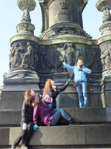 Yes, I actually sang on this statue outside of the opera house. (The photo may be posed but the singing was real.)