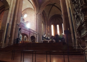 Looking up at the altar in the Mainz Cathedral