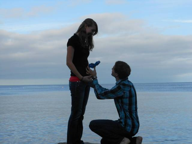 Robert planned the engagement very well: on the BEACH in Scotland!?? How awesome is that?? :)
